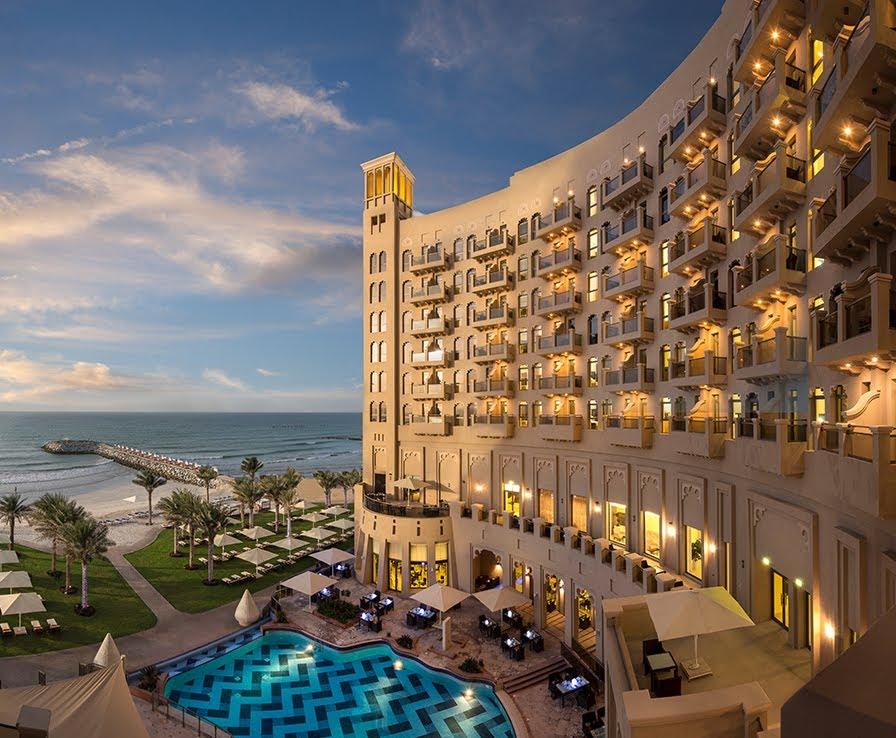 THE AJMAN PALACE HOTEL *****