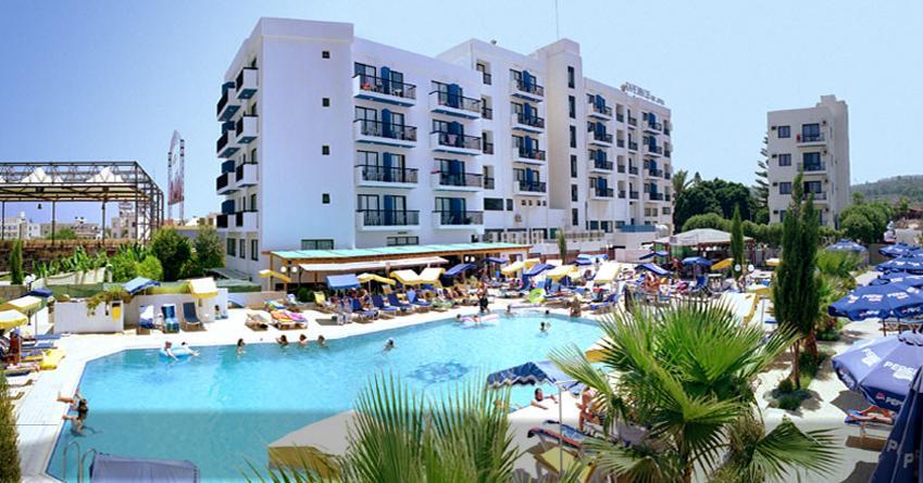KAPETANIOS BAY HOTEL ****