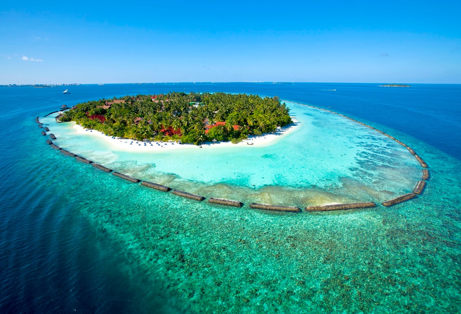 KURUMBA MALDIVES RESORT *****