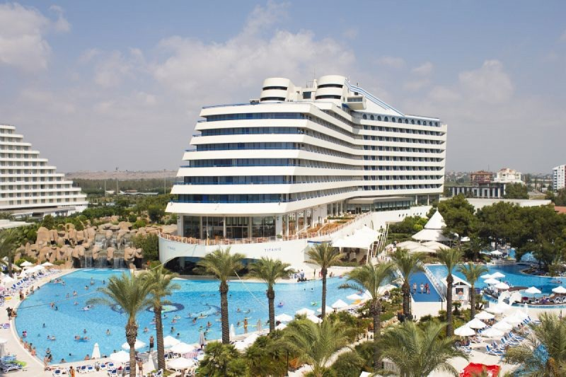 TITANIC BEACH RESORT *****