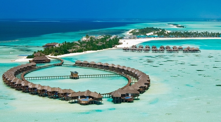 OLHUVELI BEACH & SPA RESORT ****+
