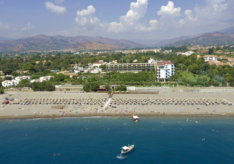 ATAHOTEL NAXOS BEACH RESORT ****