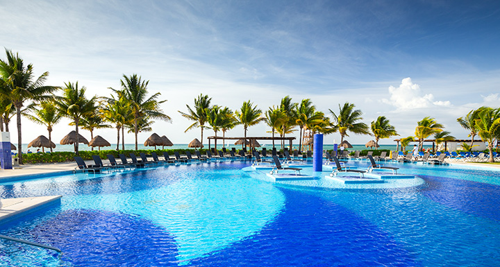 BLUEBAY GRAND ESMERALDA *****